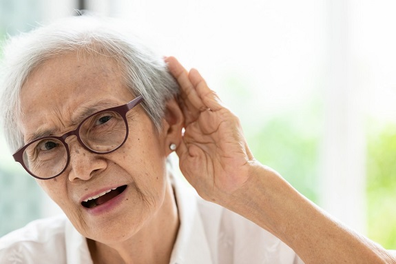 diabetes-and-your-senior-loved-ones-hearing-loss